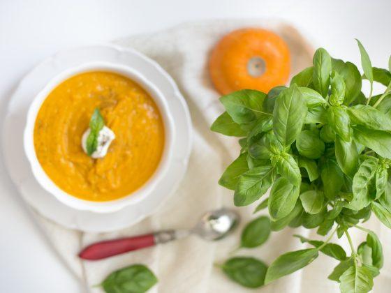 3 rozgrzewające zupy na jesień i zimę