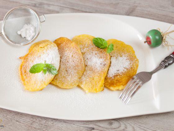 Śniadanie do łóżka - Najprostsze i wyśmienite placuszki z jabłkami, bez glutenu, laktozy i białego cukru