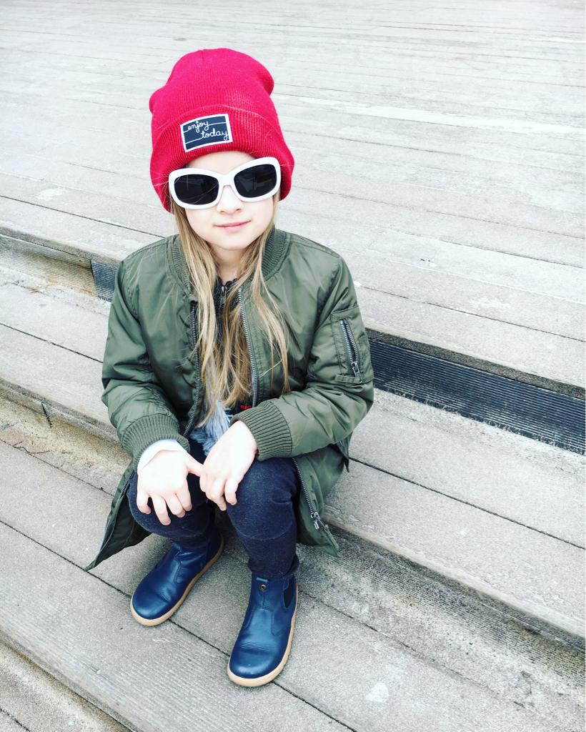 jakie okulary przeciwsłoneczne kupić dla dziecka