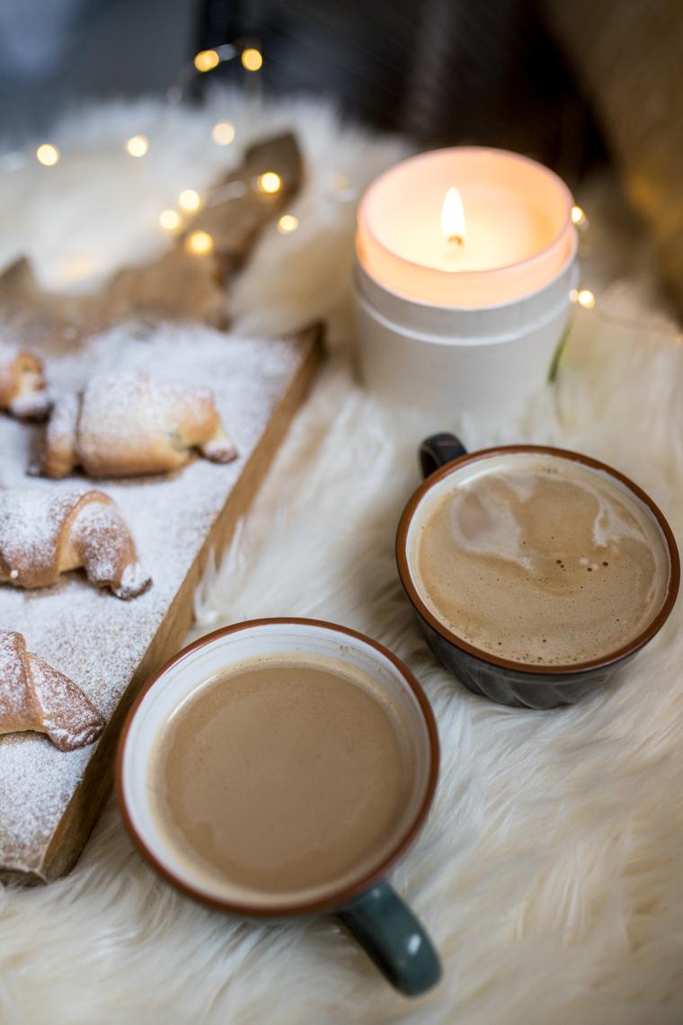 szybkie rogaliki drożdżowe, zdrowe słodycze, do niedzielnej kawy