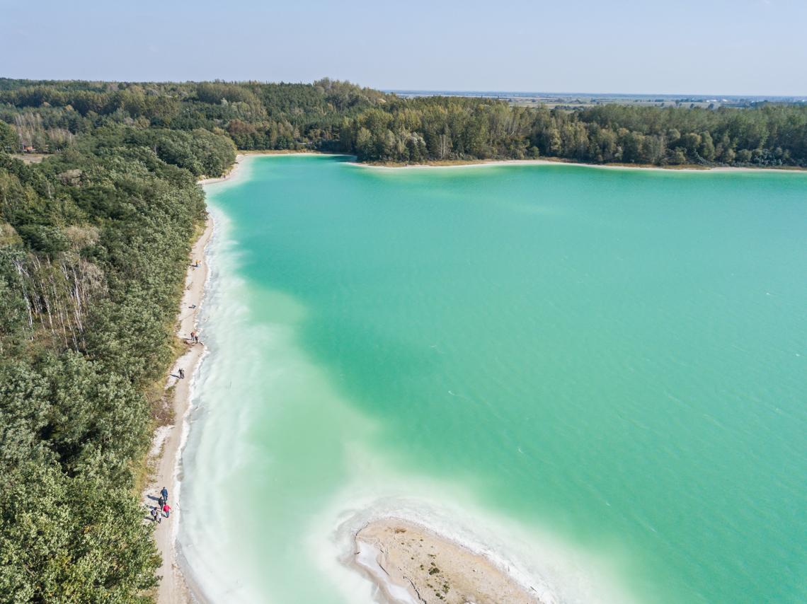 Osadnik Gajówka, lazurowe jezioro w polsce, niebieskie jezioro w polsce, lazurowe jeziowo łódzkie