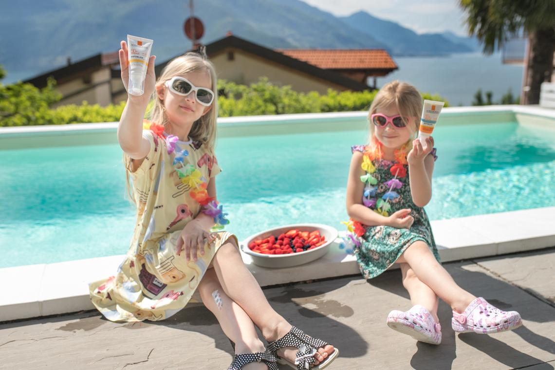 zasady bezpiecznego przebywania na słońcu, basen, kwatera z basenem