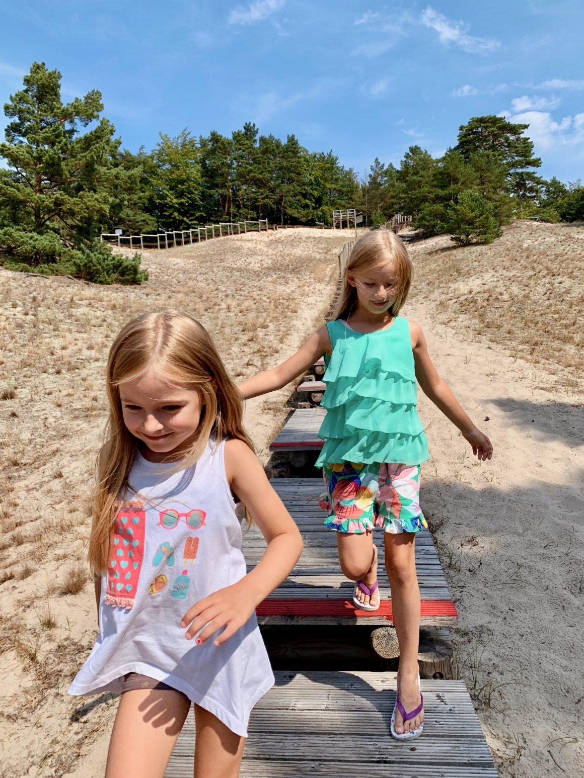 ustka dla dzieci, gdzie nad morze z dziećmi, ustka atrakcje dla dzieci, grand lubicz ustka, orzechowska wydma