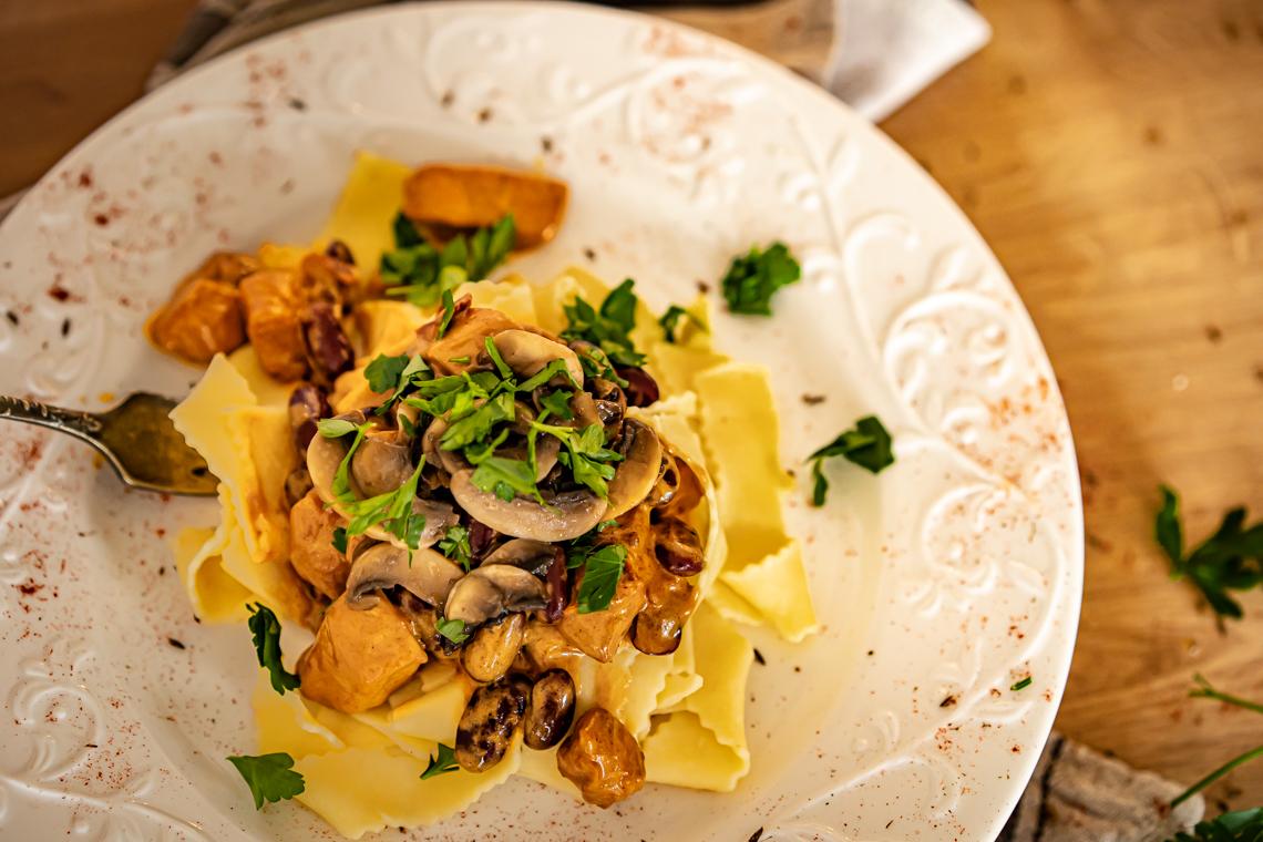 jak zrobić sos śmietanowy, sos do kurczaka, kurczak, co z kurczaka, sos do mięsa, łatwy obiad, szybki obiad, mamagerka