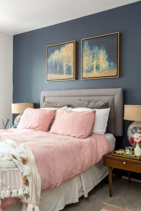 granatowa sypialnia w bloku, jak urządzić sypialnię w bloku, duża sypialnia, mamagerka, jysk, różowa sypialnia